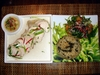 Hainanese_chicken_with_ginger_and_s